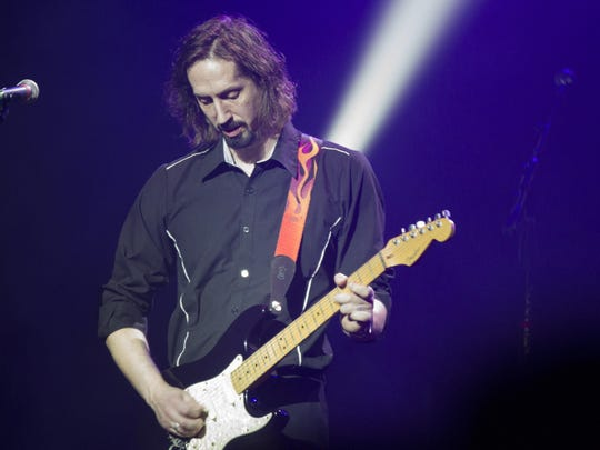 Guitarist Jason Jelinek and the rest of Project Pink will recreate the ultimate Pink Floyd experience when they play the Stefanie H. Weill Center for the Performing Arts on Oct. 17.
