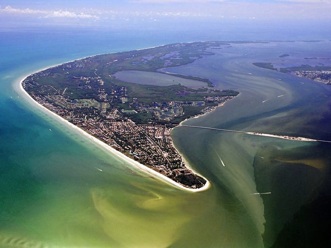 Discover natural Florida on the Gulf Coast barrier islands of Captiva and Sanibel.