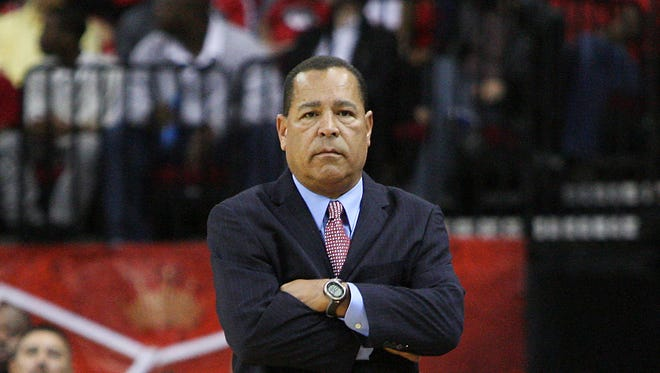 IN: The Cougars reportedly reached a five-year agreement with Houston Rockets assistant coach Kelvin Sampson to step in and replace Dickey.