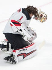 New Jersey Devils goalie Keith Kinkaid (1) loses his