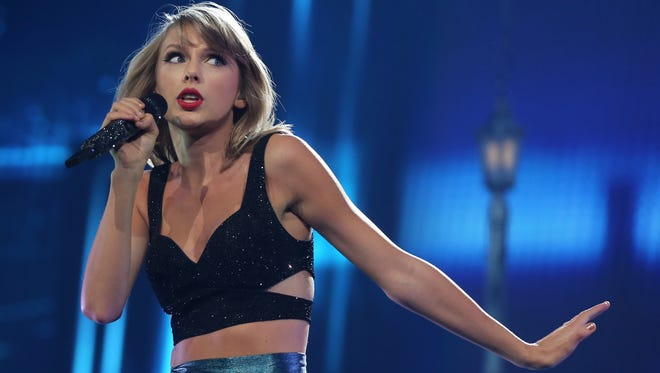 Taylor Swift performs at Bridgestone Arena Friday September 25, 2015.