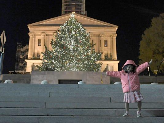 NAS-Christmas Tree Lightiing
