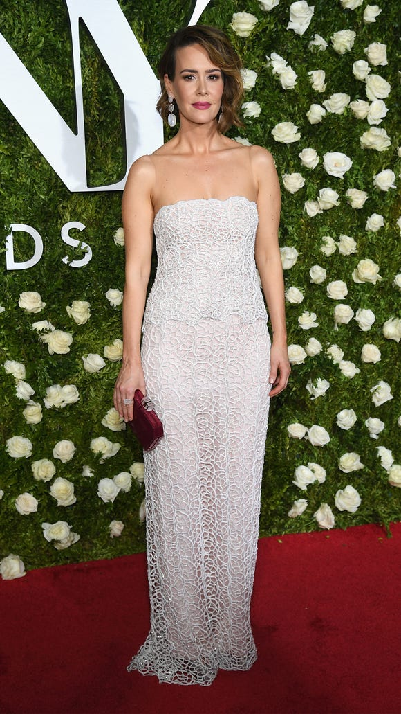 Sarah Paulson looked elegant on the Tonys red carpet.