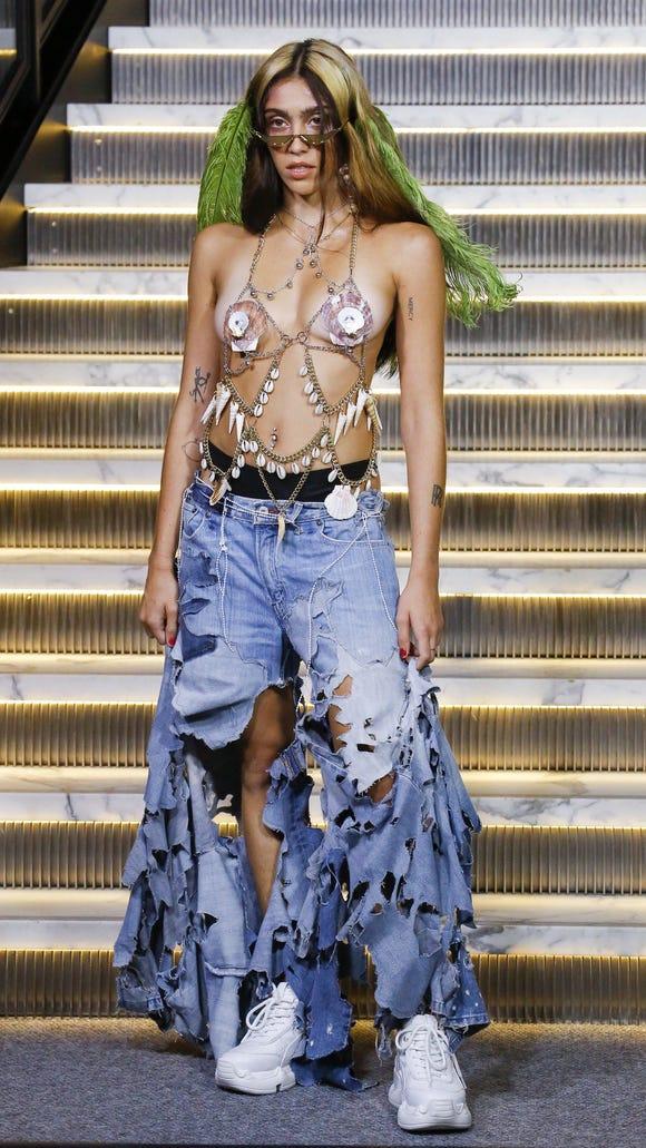 Madonna's daughter Lourdes Leon walks first Fashion Week ...