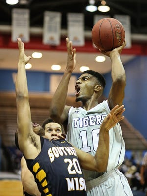 JSU guard Raeford Worsham will try to lift his team to its second win in a row on Friday.