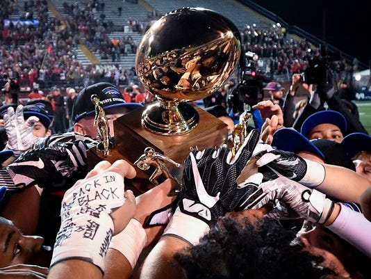 State_Football_6A_08