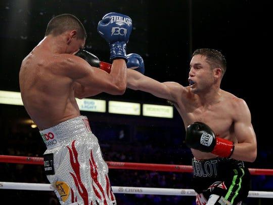 Carlos Cuadras en su pelea ante Juan Francisco 'Gallo'