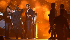 Luke bryan brings country lifestyle to acms for Hunting fishing loving everyday lyrics