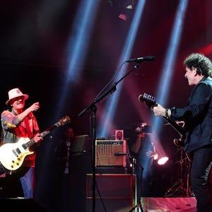 Santana rocks like it's Woodstock in Las Vegas reunion show