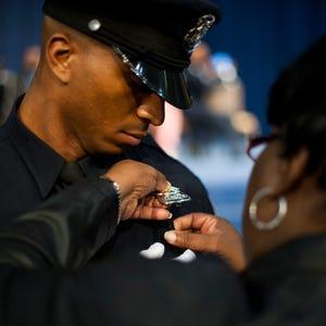 Black Detroit Cops Face Bias From Superiors Report Says