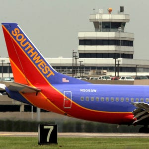 House Oks Bag Fee Refunds More Airport Security In Faa Bill