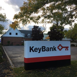 KeyBank apologizes, pays some online customers $100