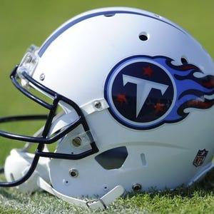 Titans sign former Steelers linebacker