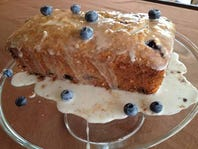 This lemon-blueberry bread is great to serve for breakfast, dessert or a snack.