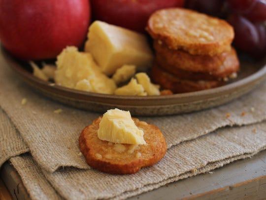 REN Finger Foods_Crackers