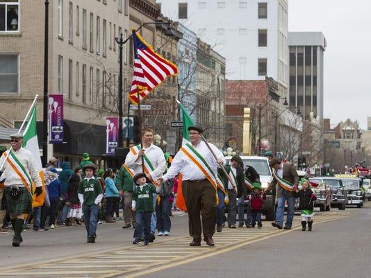 -parade11-hibernians.jpg_20150317.jpg