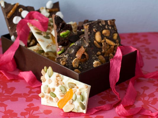 Food-Valentines Day Bark