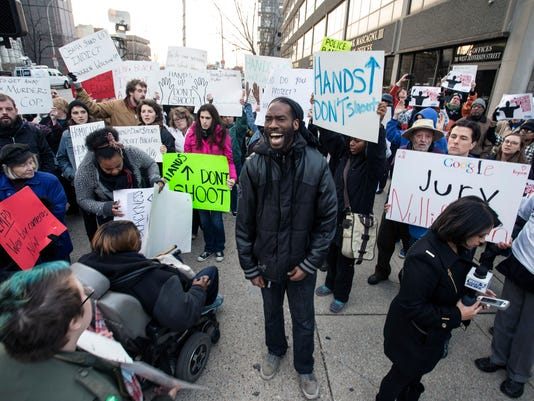 1-Louisville Ferguson Protest-PEARL+01 (2).jpg