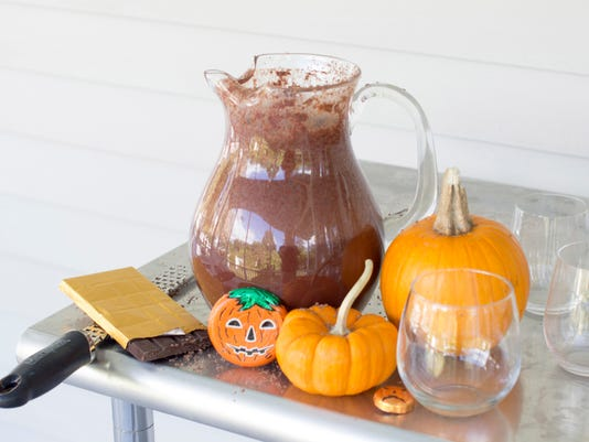Food Halloween Treats_Atzl.jpg