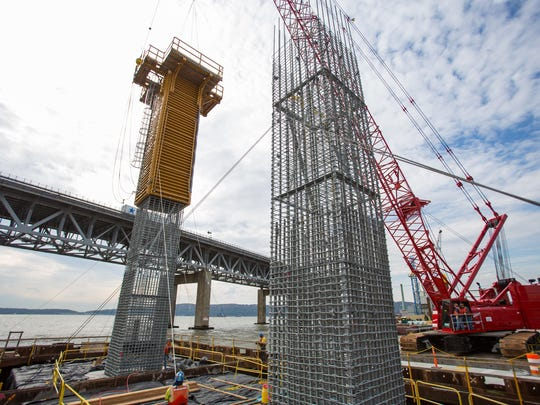 A recent federal court ruling allows the builder of the new Tappan Zee Bridge to use union carpenters instead of dockbuilders for formwork and column construction, saving Tappan Zee Constructors $7.3 million in labor costs.