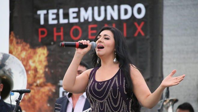 Graciela Beltrán cantó sus mejores éxitos.