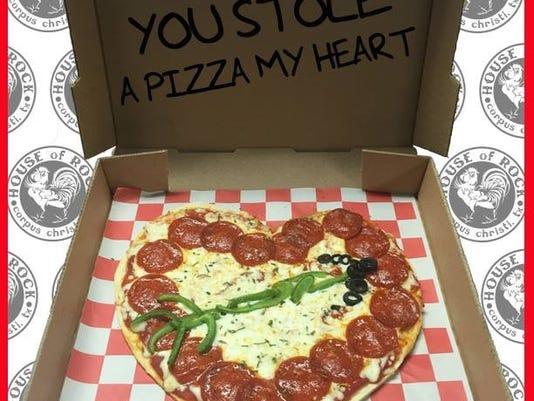 636220642371587891-0212-ccfe-pizza.JPG