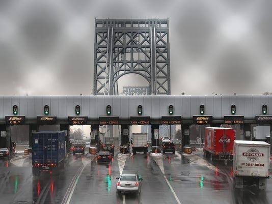 Senate Chairman Of Transportation Committee Calls For Investigation Into George Washington Bridge Lane Closures