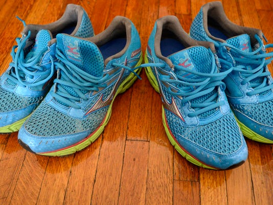 Unless they're really bad, I can't tell just by looking at my sneaks when they need to go. By tracking my mileage I never have to guess when it's time for a new pair. (I heart mizuno). DAILY RECORD/SUNDAY NEWS - KATE PENN