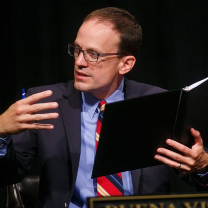 Des Moines Register Iowa Columnist Kyle Munson moderates