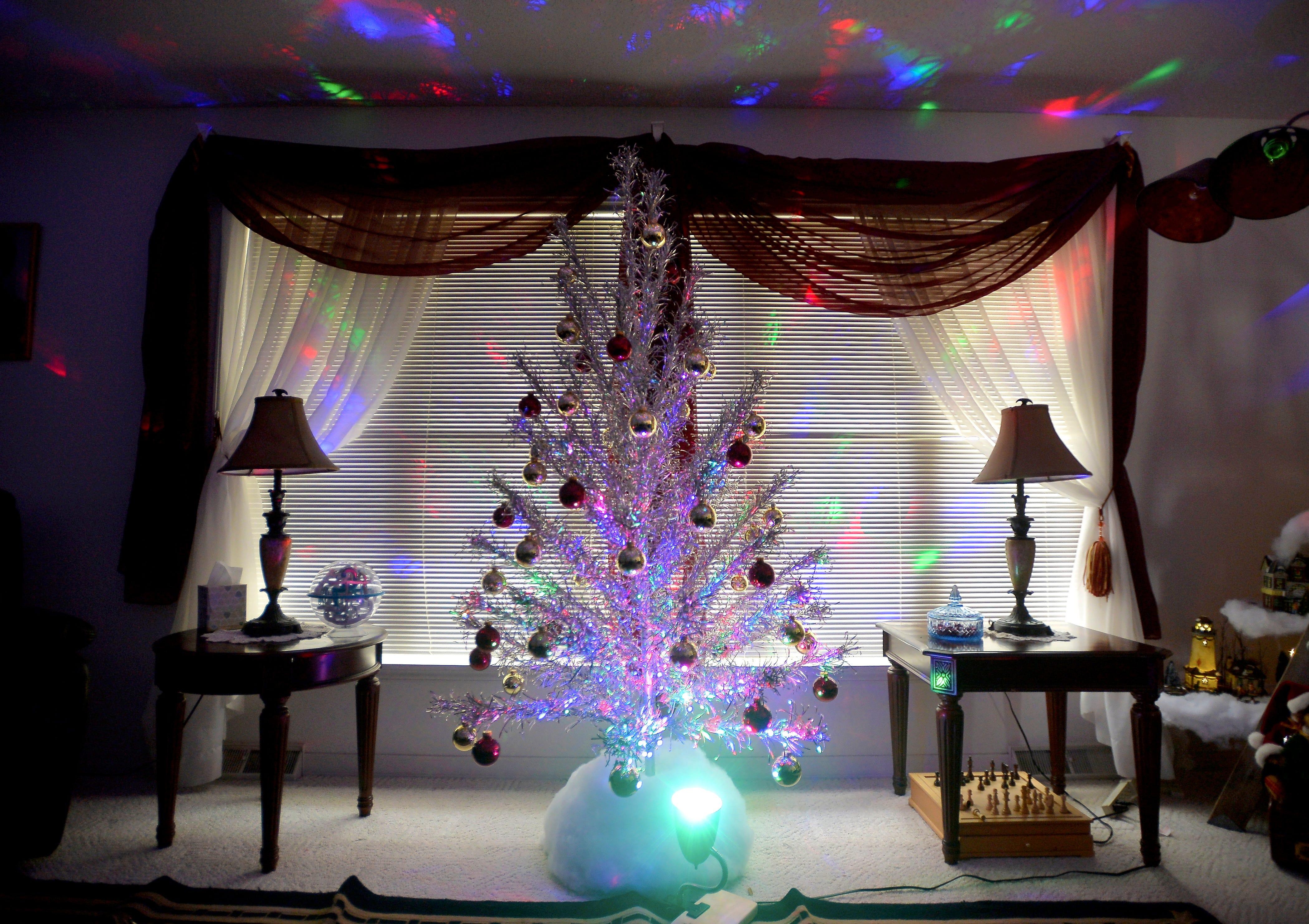 Rene Murrayu0027s Aluminum Christmas Tree.