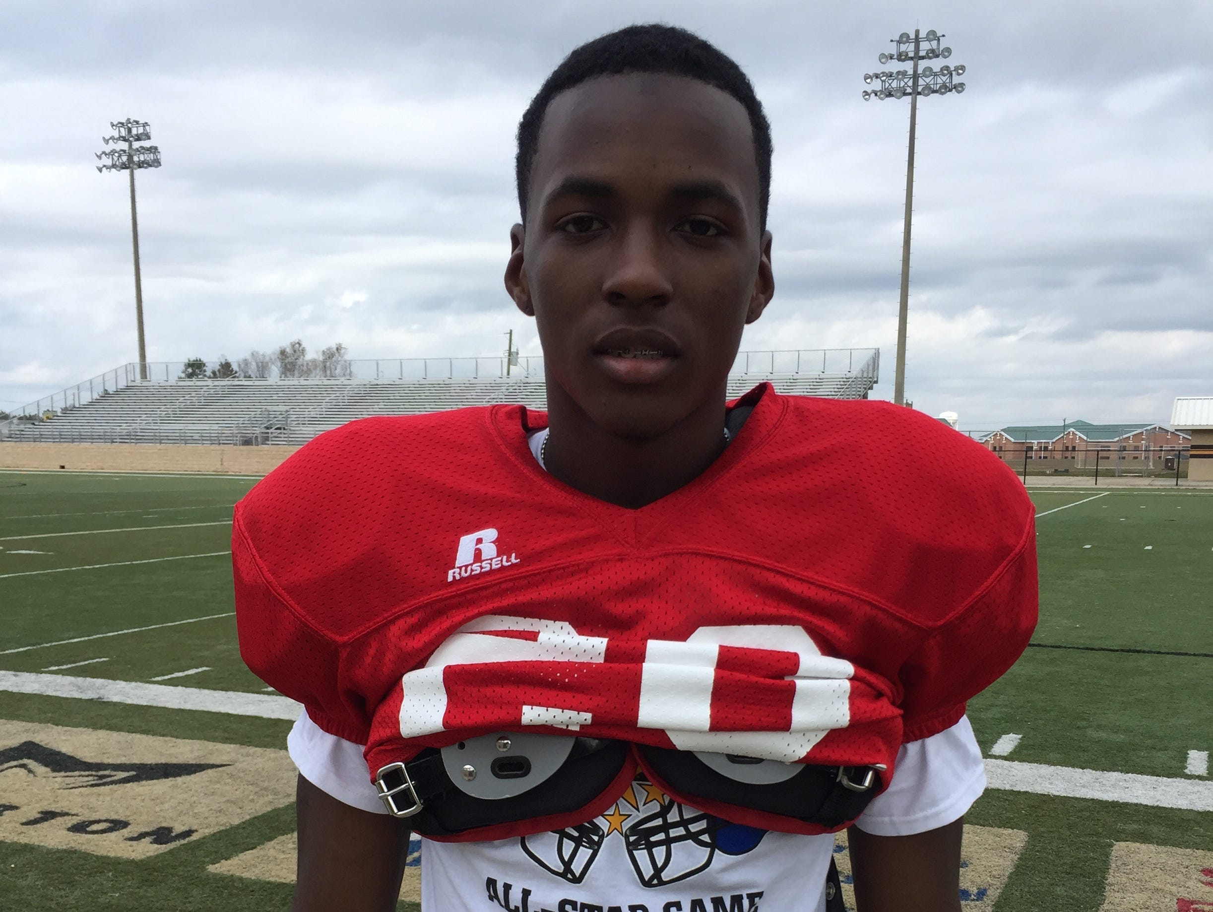 Mississippi State is making a late push for 4-star Auburn cornerback commit John Broussard.