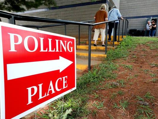 636688356179264312-3-election-day-votingA.JPG