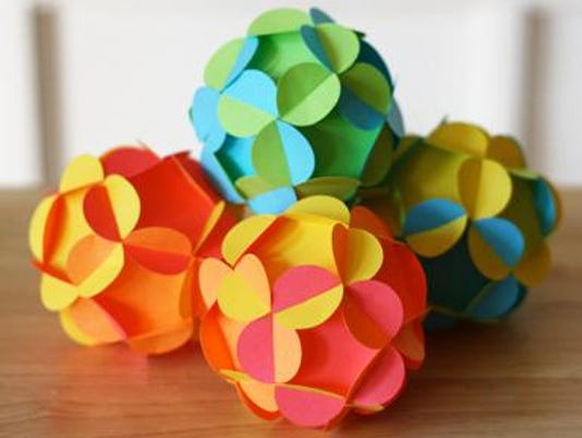3-D paper ball orn.png