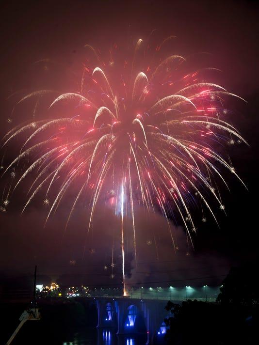 kns-fourthfireworks2.jpg