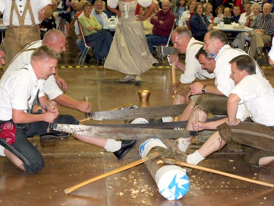 Log cutting competitions demand coordination.