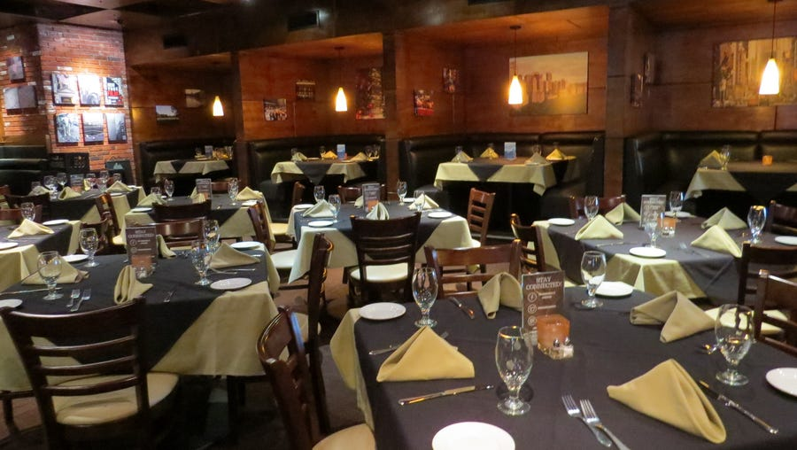 The indoor dining room at The Manhattan of Camarillo