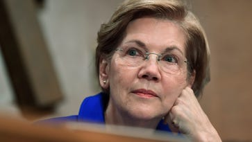 Rumored Democratic presidential front-runner Elizabeth Warren to speak next month in Reno