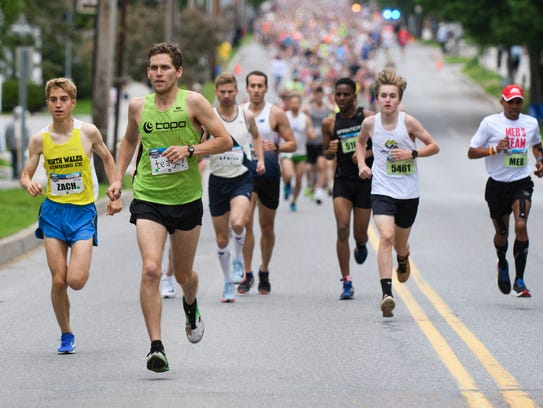 Teage O'Connor, from Burlington, leads a pack of runners