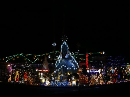 kim taylors house in phoenix is decked out with christmas