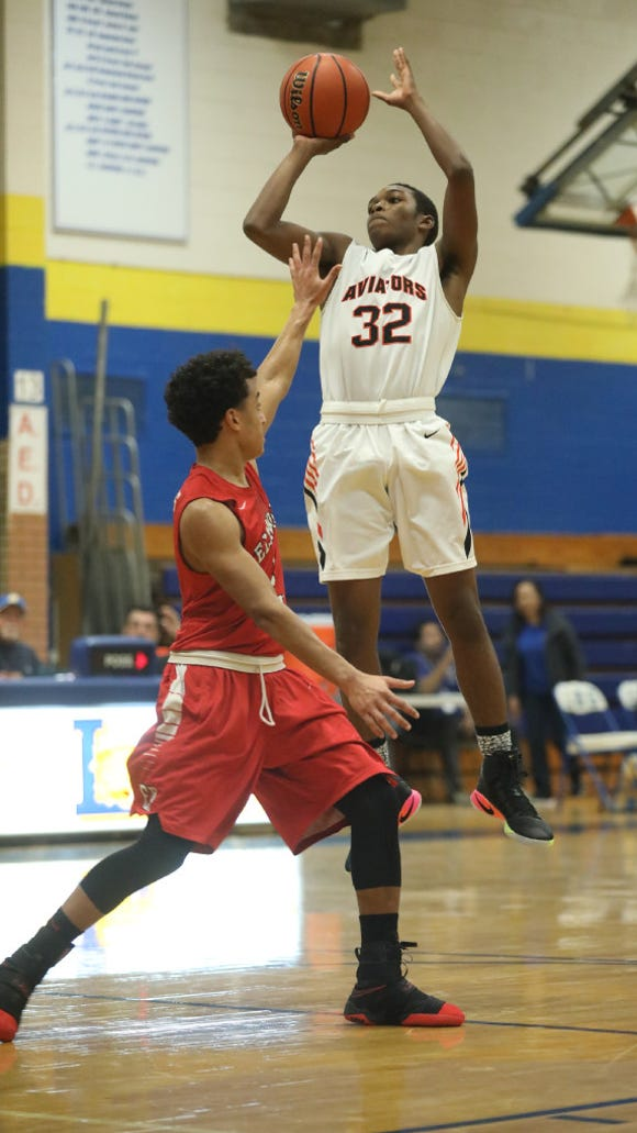 Anthony Palmer (32) and Hasbrouck Heights open the 61st Bergen Jamboree by facing Ridgewood on Saturday at 11 a.m. at Bergen Catholic.