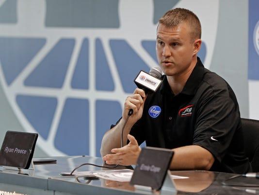 NASCAR_Charlotte_Auto_Racing_22796.jpg