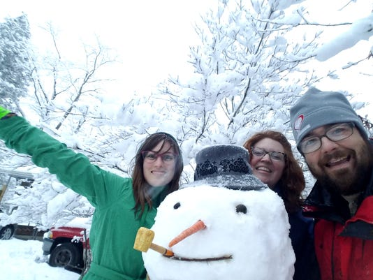 BMN 122117 Snowmen photos Tamara Feightner