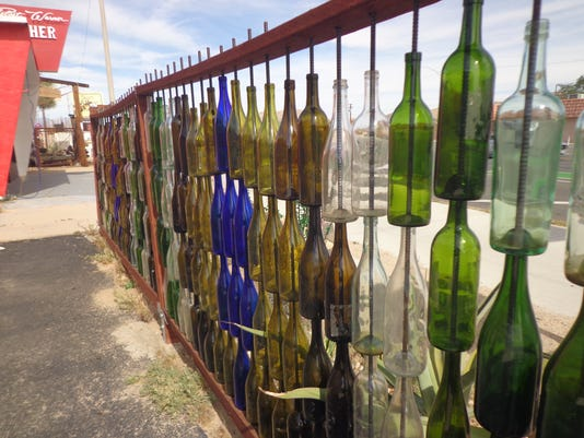 636632159683486168-rear-bottle-fence.JPG