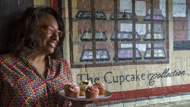 Mignon Francois, popular creator of the Cupcake Collection, talked about getting pregnant unexpectedly when she was a teenager. About 20 years later her teenage daughter had her own unplanned pregnancy.