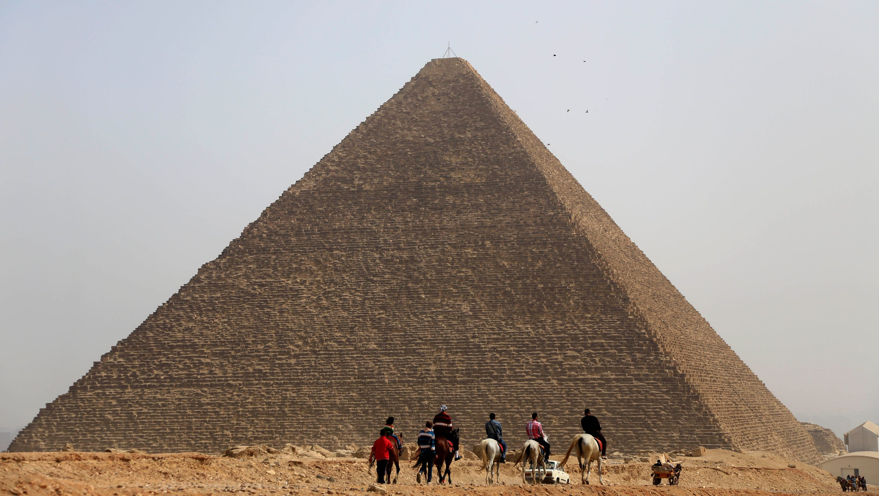how to build pyramid unmuseum