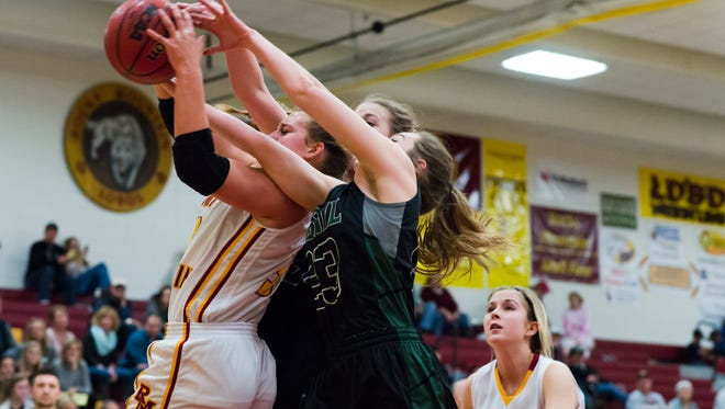 Rocky Mountain and Fossil Ridge play in a high school basketball doubleheader on Tuesday. The games can be watched on Coloradoan.com.
