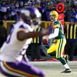 QB Aaron Rodgers leads Packers' late-season charge