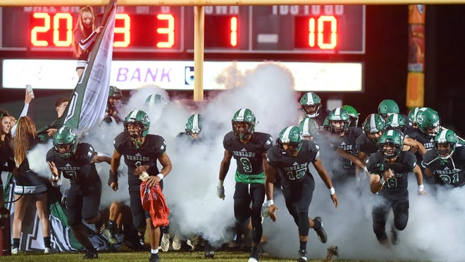 Choctaw has beaten archrival Fort Walton Beach seven straight times. [DEVON RAVINE/DAILY NEWS]