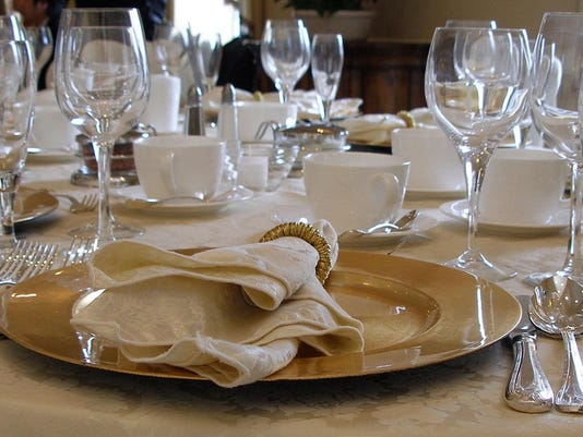 table-setting-1324449