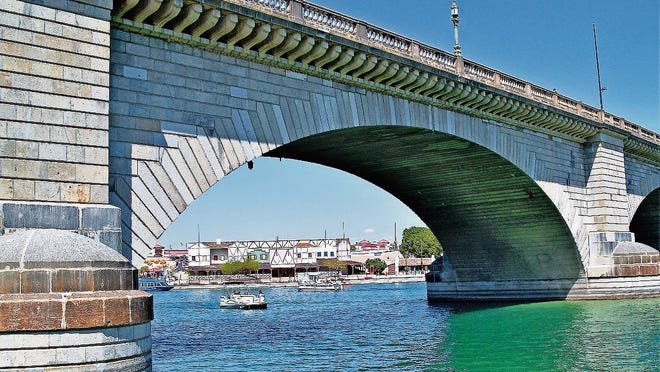 The original London Bridge was purchased at auction and reconstructed in Lake Havasu City, Arizona, in the 1960s.